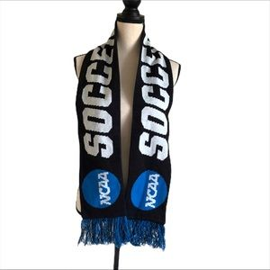 Wilson NCAA Soccer Scarf With Fringe
